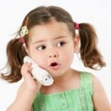 Compétences sociales et langagières de l'enfant précoce