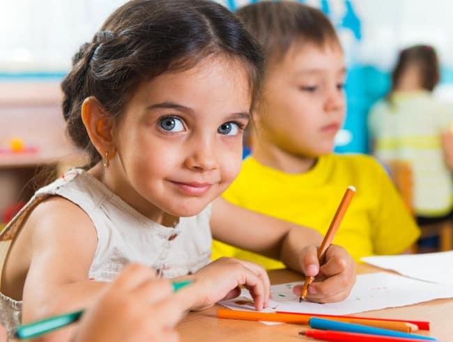 Qu'est-ce qu'une bonne adaptation scolaire pour l'enfant surdoué ?