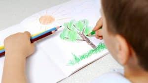 Enfants précoces des signes qui devraient alerter