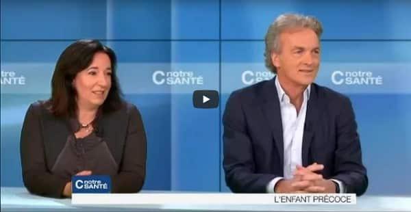 Comment suivre l'enfant précoce ? Dans une vidéo remarquable, Olivier Revol et Roberta Poulin délivrent un message d'espoir à l'attention des parents d'Enfants Précoces. Un vrai bol d'air pur.