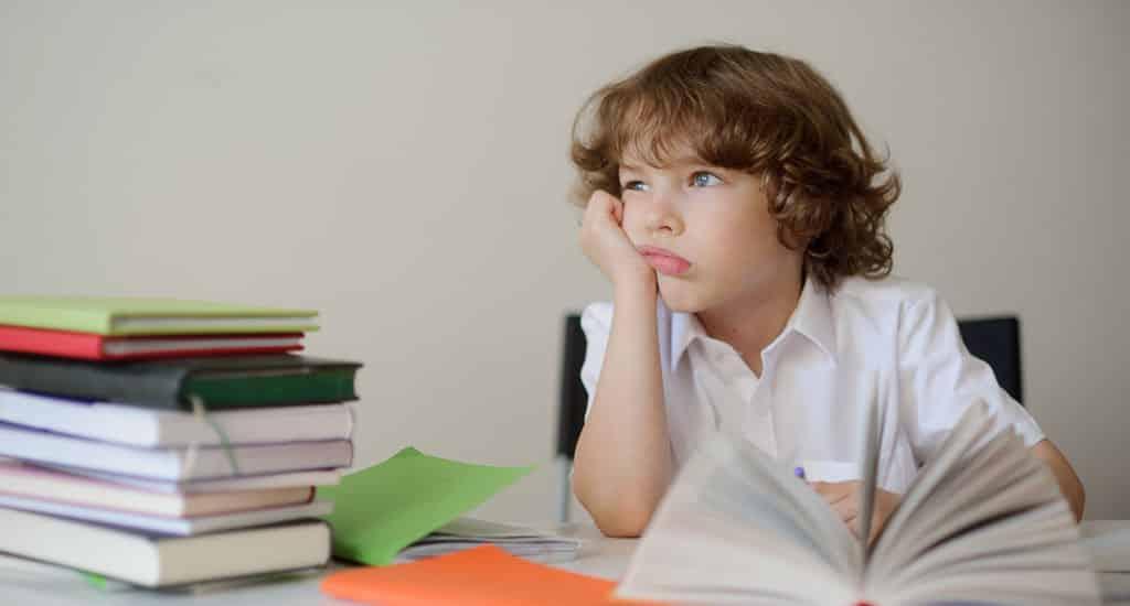 Enfants précoces et dyslexiques, comment les aider ?