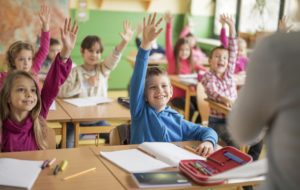 10 idées simples pour bien accompagner les enfants précoces à l'école